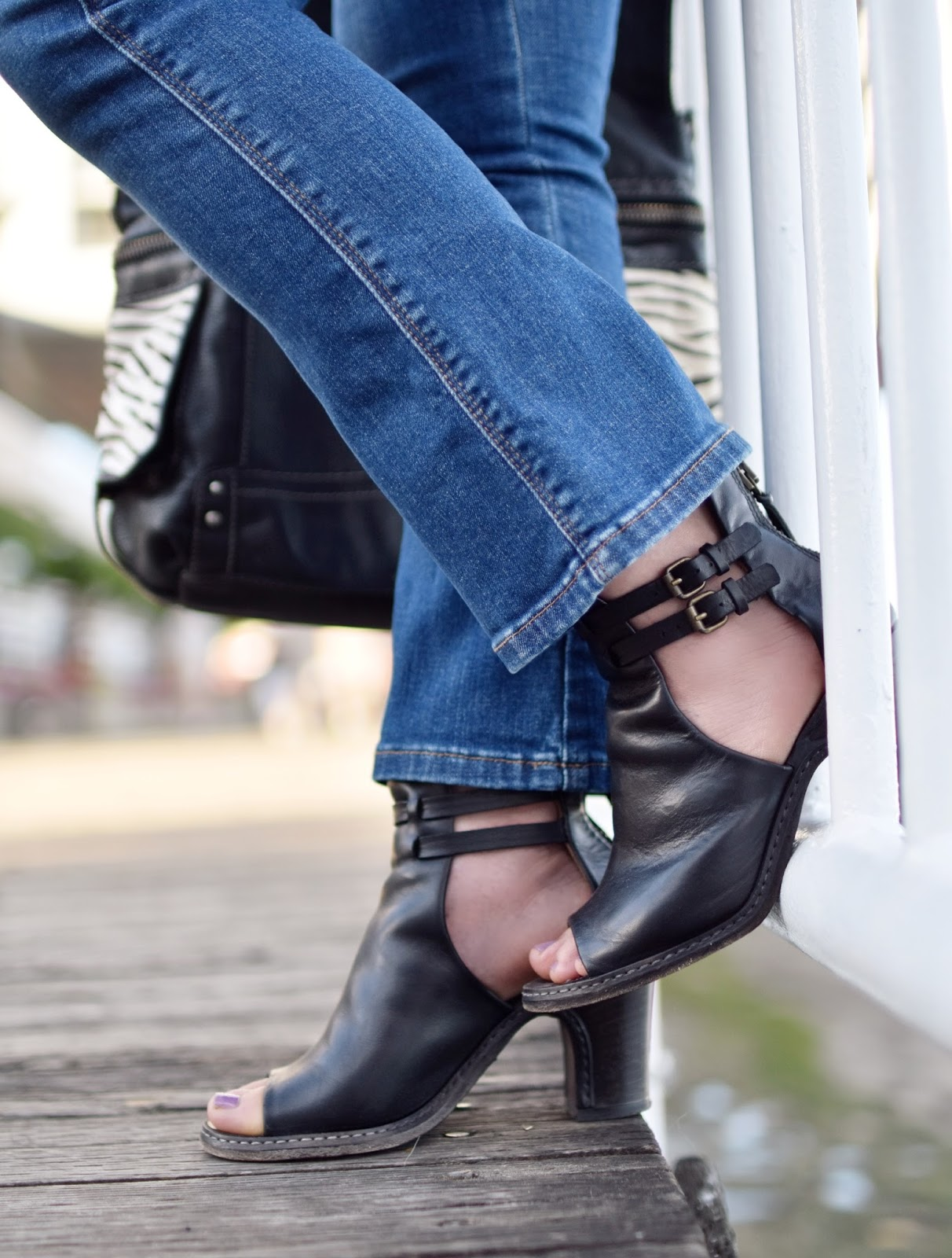 cropped flare jeans, cut-out booties, Fossil bag