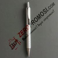 Souvenir Pen tung-tung besi