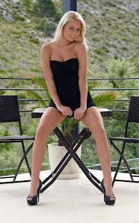 twerking girl - Grace%2BHartley-S01-005.jpg