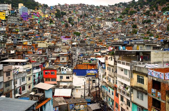 Favela ou Comunidade
