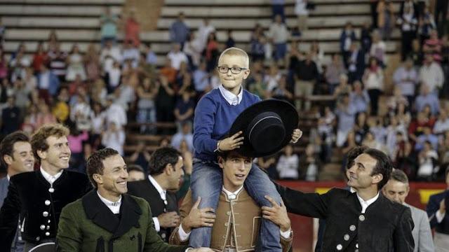 Niño con cáncer quiere ser torero y antituarinos lo amenazan