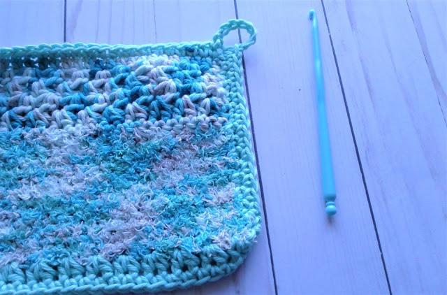 crochet hanging loop on a dishcloth/dishrag