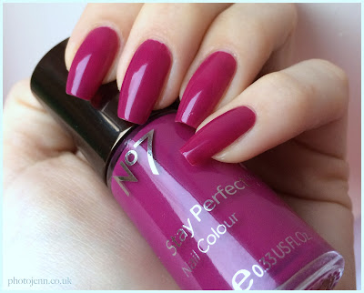 boots-no7-foxglove-stay-perfect-nail-colour