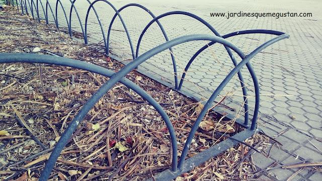 Bordura arcos de metal