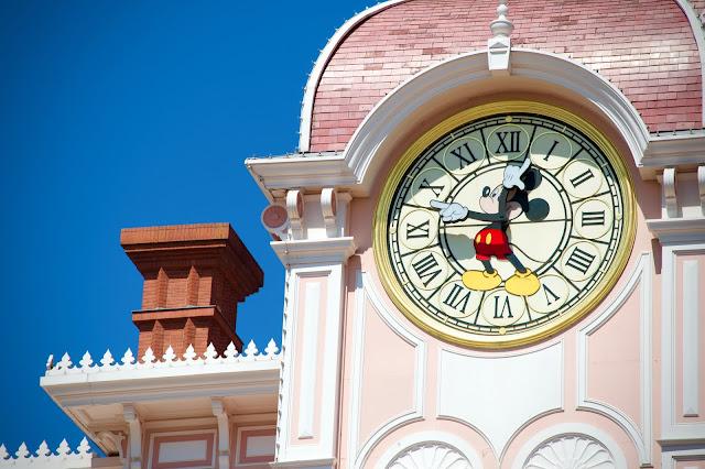 Disneyland Hotel clock at Disneyland Paris