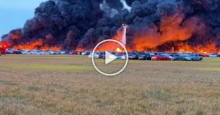 Апокалиптичен пожар: Хиляди коли бяха превърнати в пепел (ВИДЕО)