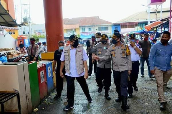 Menuju Era New Normal Life, Wawako Padang Bersama Kapolresta Pastikan Kesiapan Pasar Raya Padang