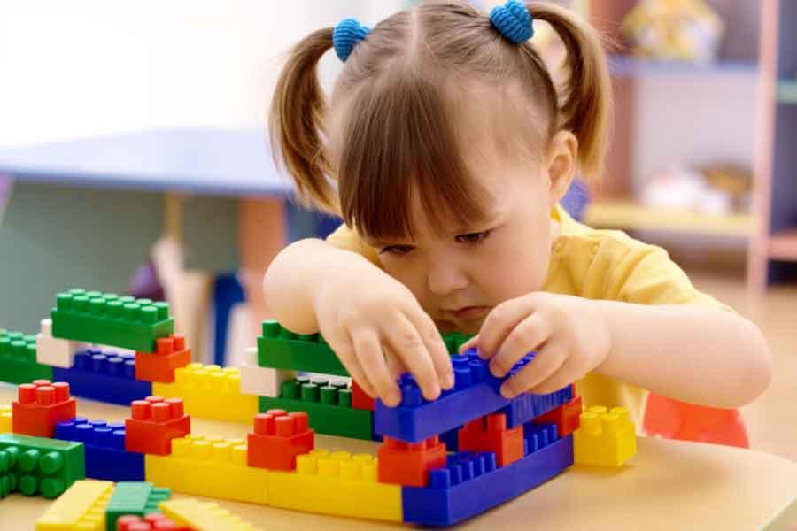 mainan edukatif anak lego