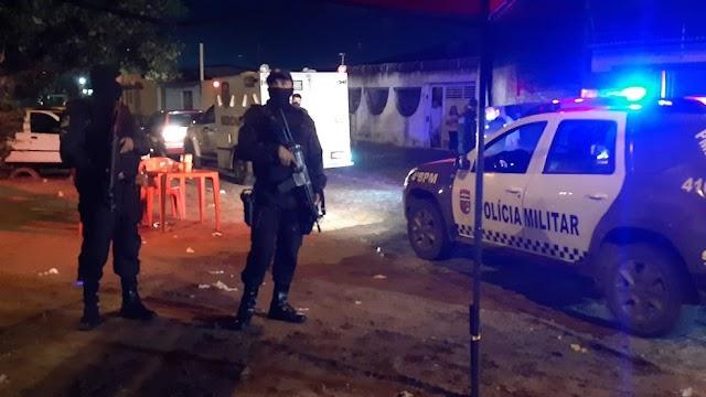 Homem é assassinado a tiros em mesa de bar na Zona Norte de Natal