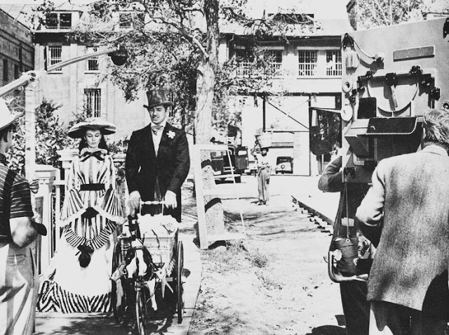 Foto dos bastidores do filme E o vento levou, no original, Gone With The Wind, de 1939.