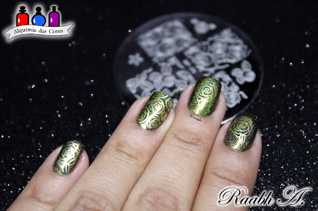 Ciaté London Twilight, Glass flecks, Black, Jade Oasis, Esmalte Holográfico, Nail Art, BP-73, Unhas carimbadas, Raabh A. 2018.