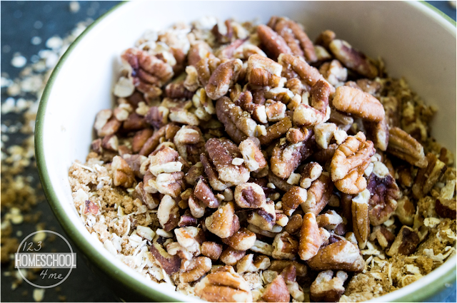 mix together the topping - oats, brown sugar, and pecans