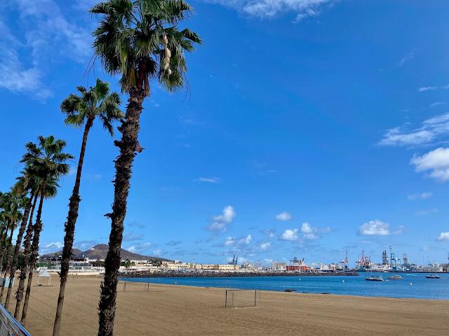 Playa de las Alcaravaneras beach, Las Palmas, Gran Canaria, Spain