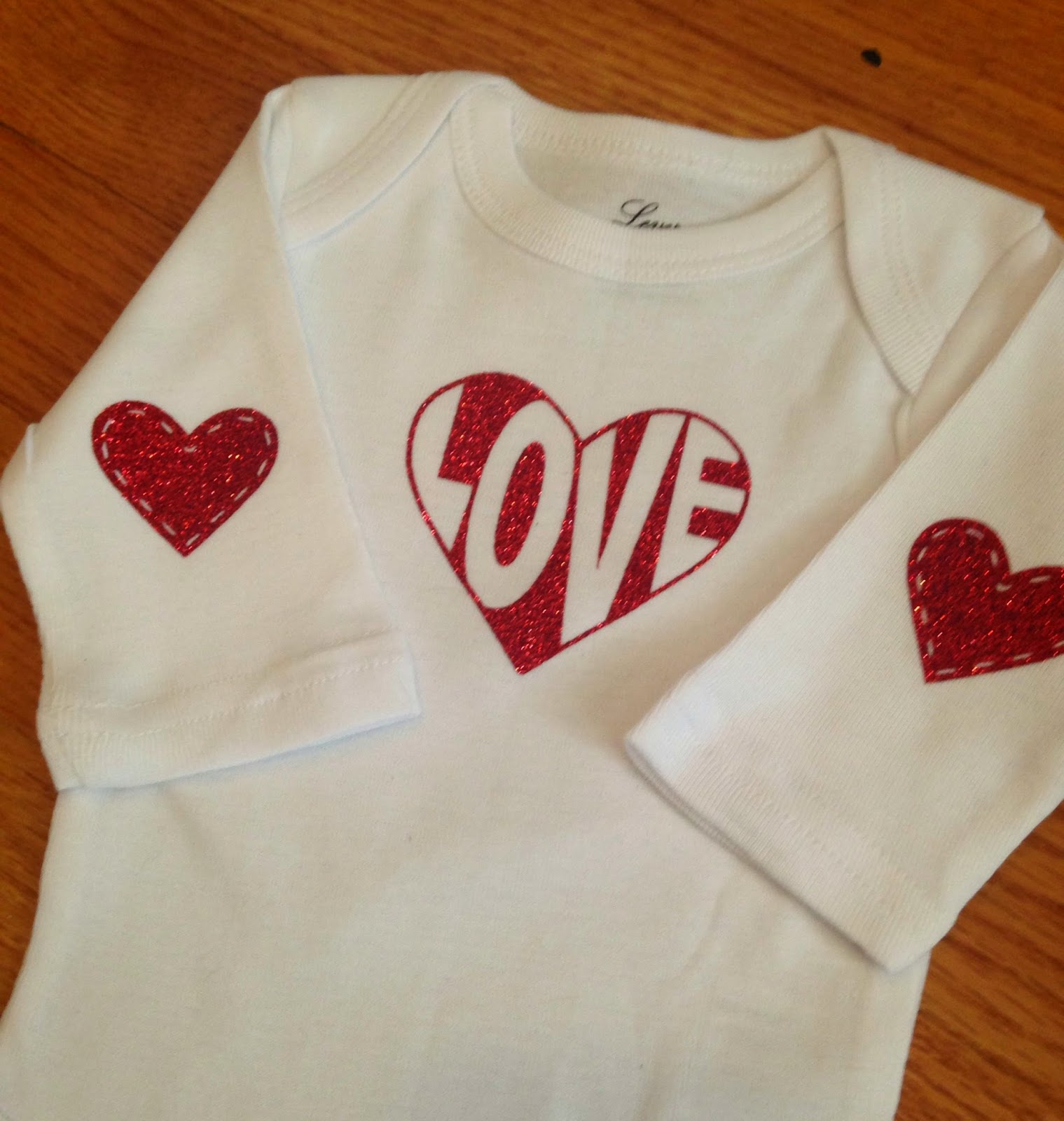 Silhouette, Silhouette project, valentine's day, project idea, onesie