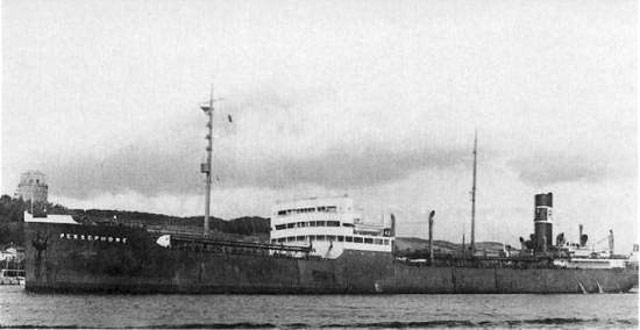 Panamanian tanker Persephone sinking off the coast of New Jersey, 25 May 1942 worldwartwo.filminspector.com
