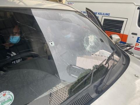 Mobil polisi yang diserang pengikut Rizieq