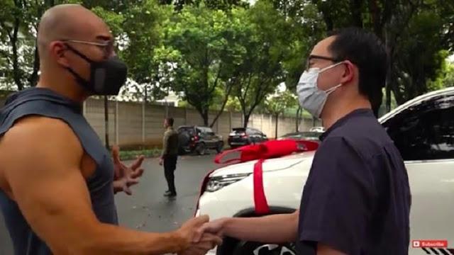 Deddy Corbuzier Beri Dokter Gunawan Uang Sekoper dan Mobil Mewah, Ini Alasannya