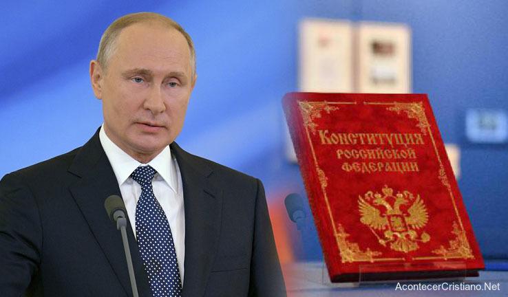 Vladimir Putin incluye a Dios y matrimonio tradicional en Constitución de Rusia