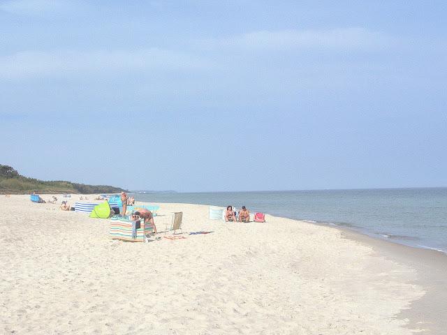 plaża na Bałtyku dla dzieci, czysty brzeg morza