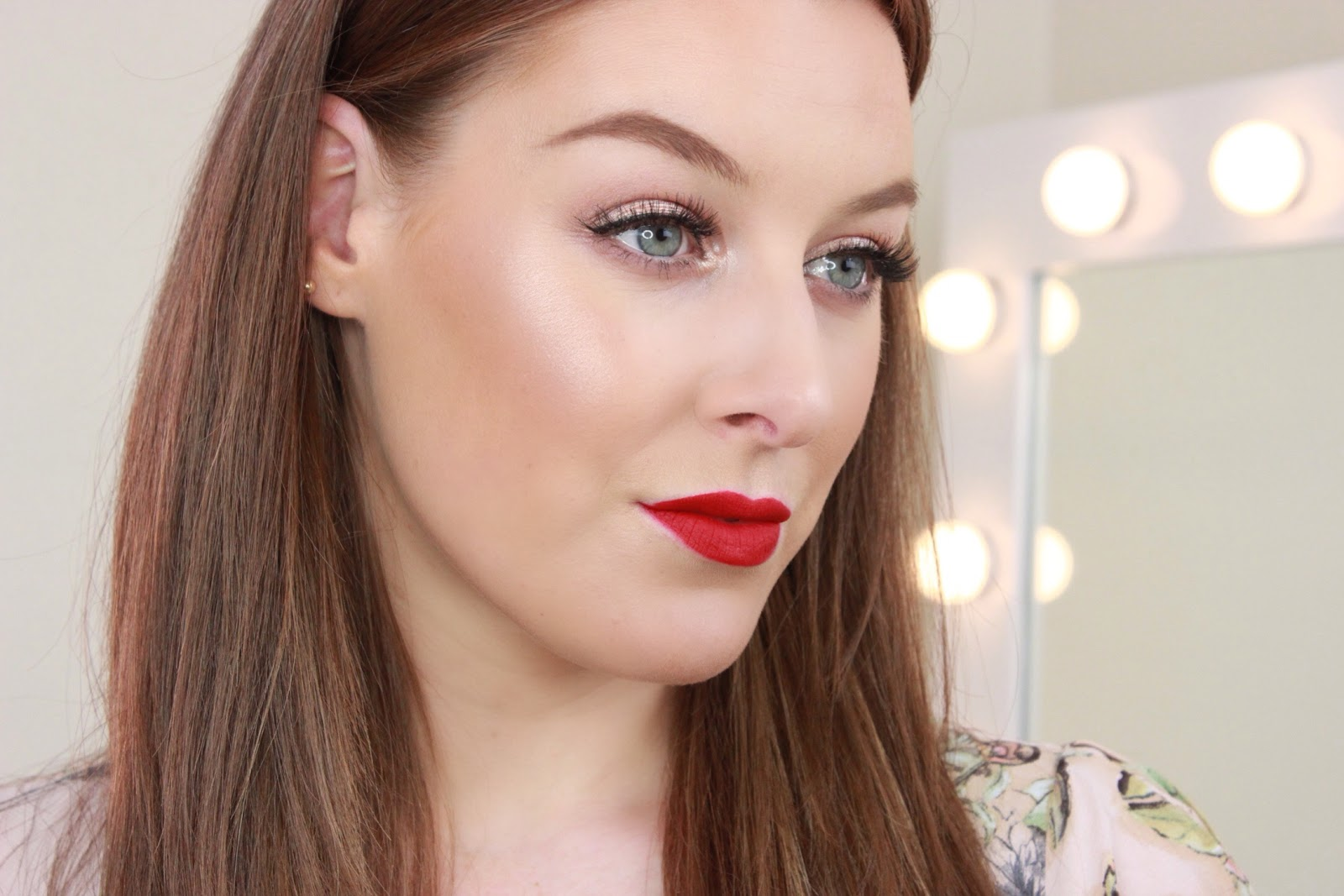 Gold Eyes & Red Lips youtube Tutorial