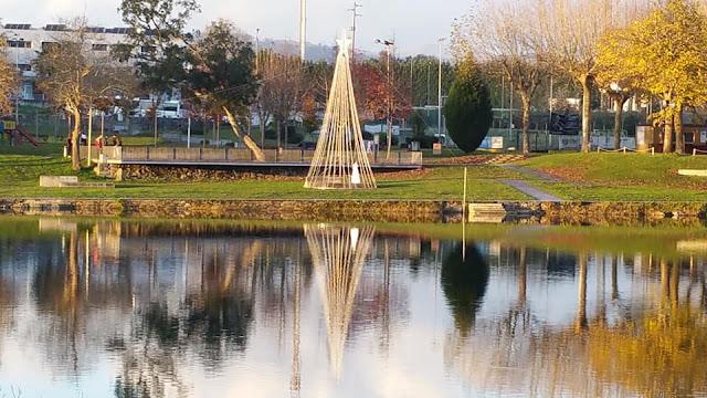 Arvore de Natal na Praia Fluvial do Prado