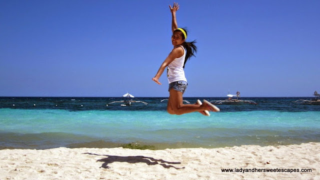 jumpshot at Alona Tropical Beach Resort Bohol