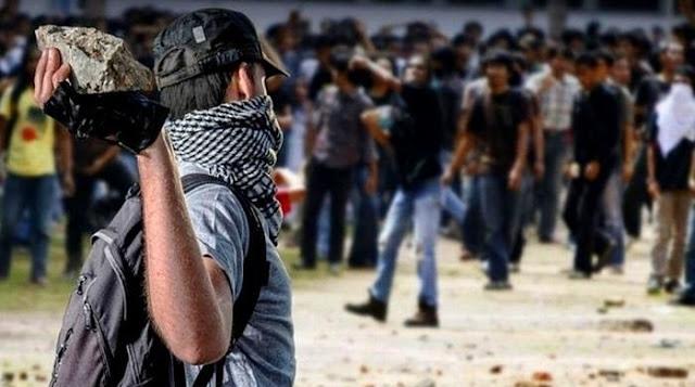 Ancaman Militer Dari Dalam Negeri