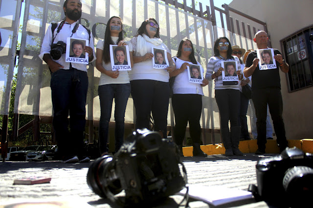 Female journalists tape gagged in Juarez, Mexico