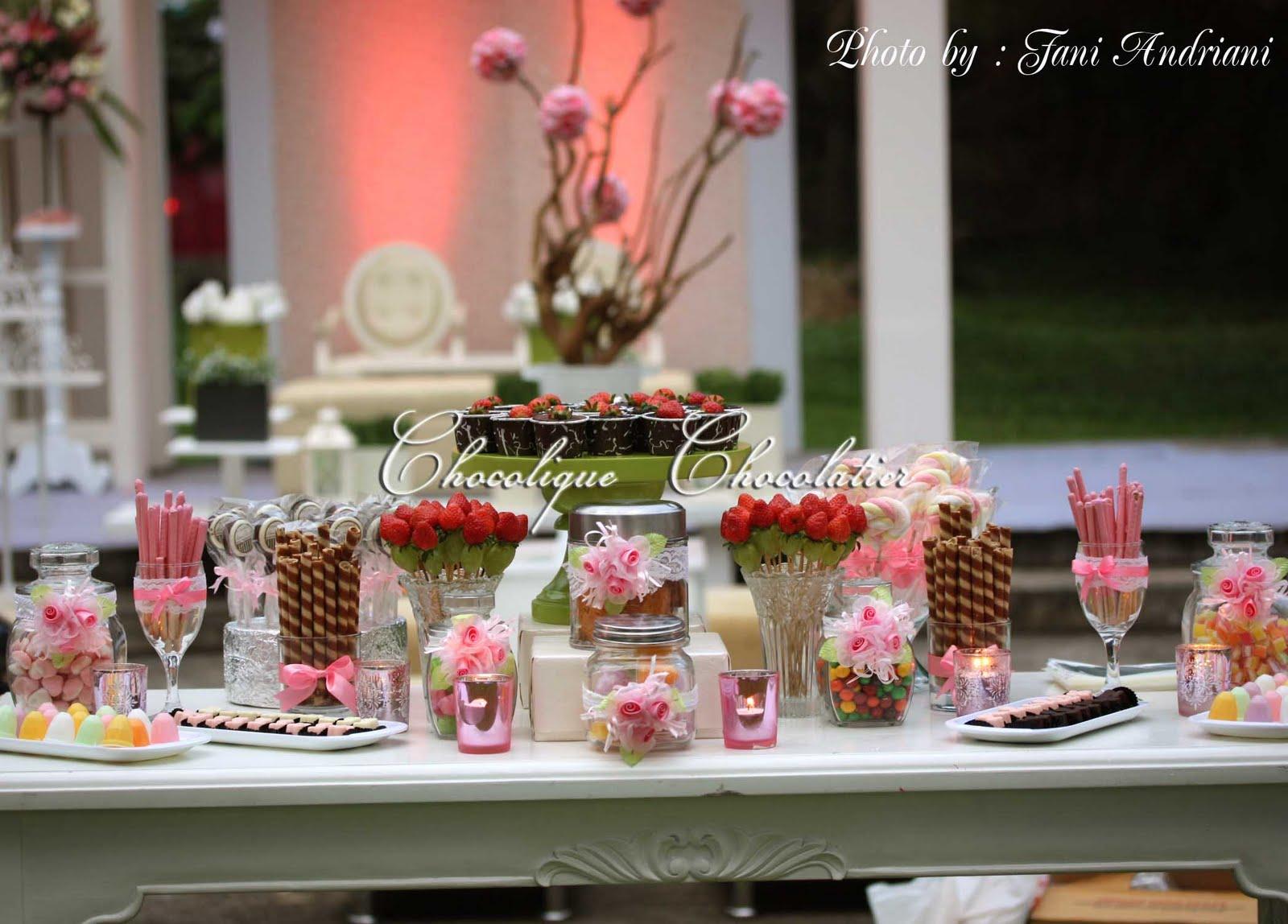 Chocolique Chocolatier Candy Bar for Hans  Uvicks Wedding Reception