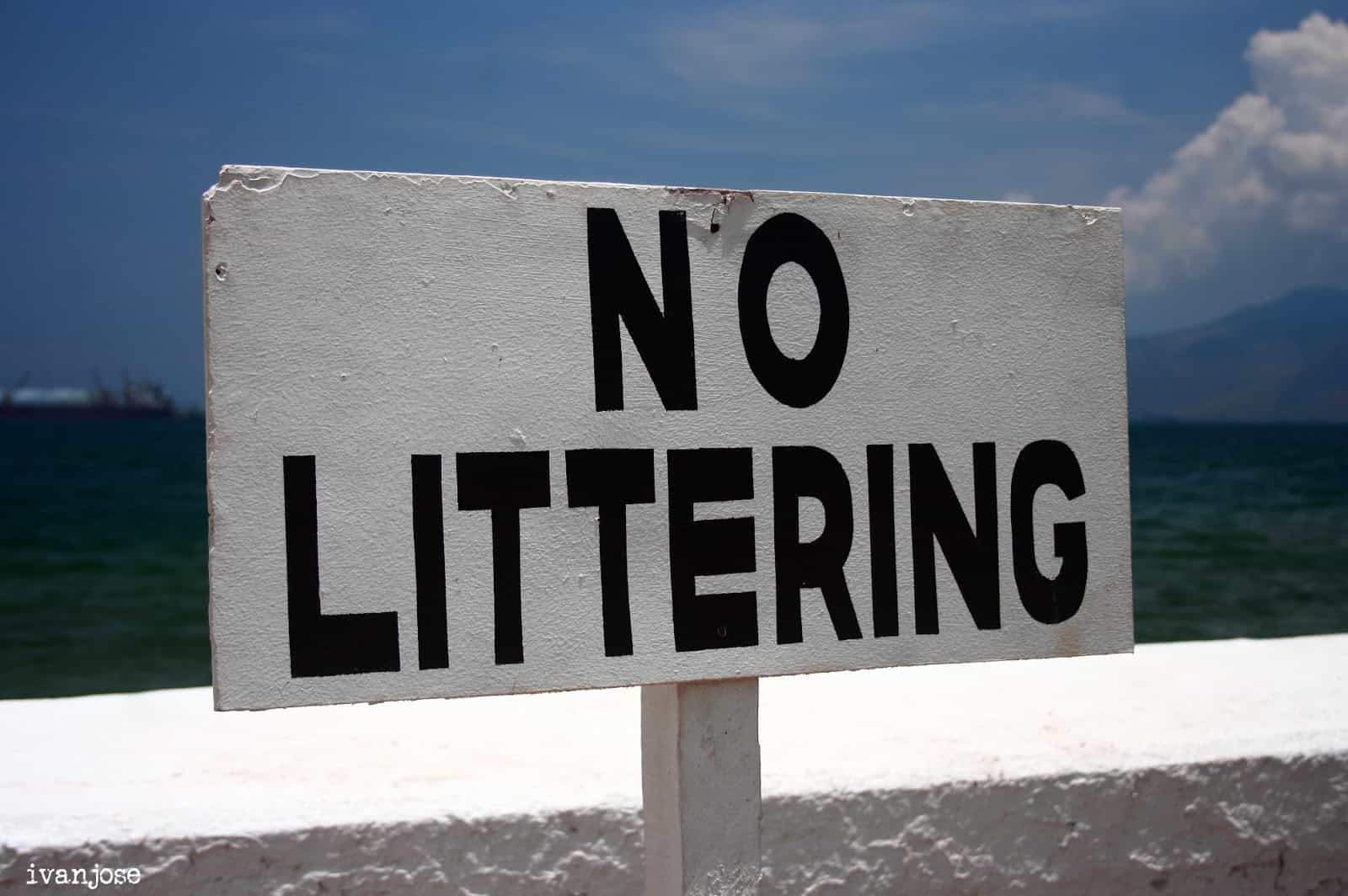 No littering sign at the harbor where we waited before boarding the ferry on the way to Grande Island Resort