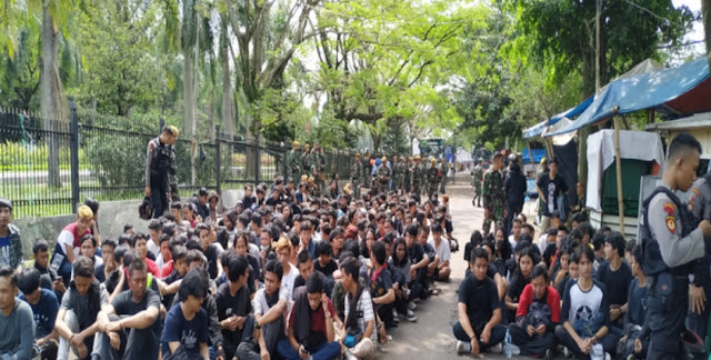 Kapolri Sebut Massa Berbaju Hitam di Hari Buruh Kelompok Anarcho Syndicalism