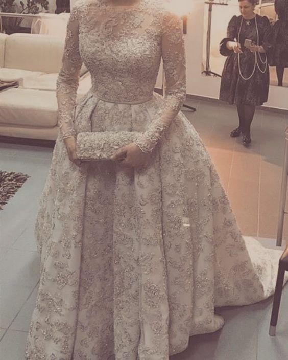 أحدث فساتين السوارية والسهــرة للمحجبات لعام 2020-فستان سوارية دهبي