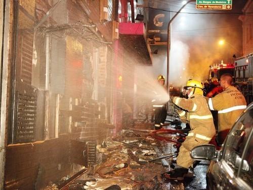 Incêndio em Boate de Santa Maria, no Rio Grande do Sul, Deixa Mais de 245 Mortos
