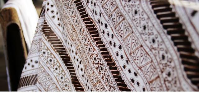 Batik Indonesia Sebuah Warisan Budaya yang Dipertahankan