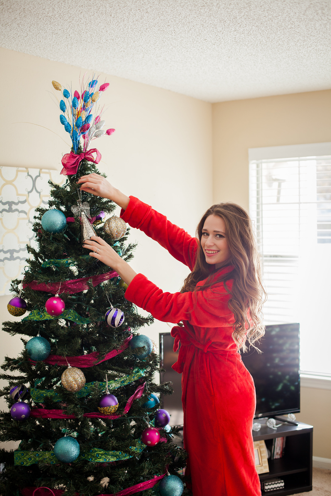 Decorating My First Christmas Tree. | Southern Belle in Training