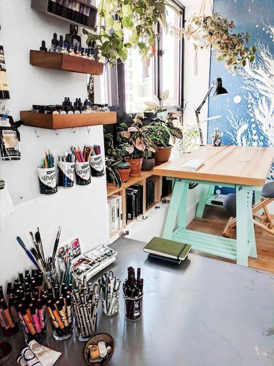 Amazing DIY Art Studio Small Spaces Idea