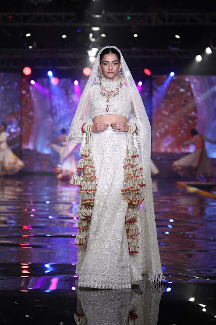 Shaadi By Marriott I Sonam Kapoor Showstopper