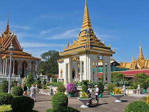 Jardin de la Pagode d'Argent à Phnom Penh (Cambodge)