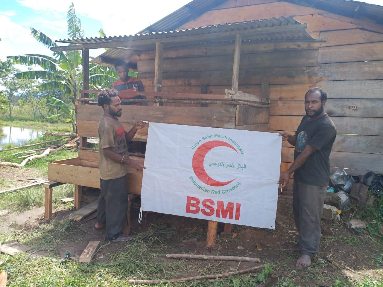 Mudahkan Kurban, BSMI Jayawijaya Bantu Warga Papua Jadi Peternak