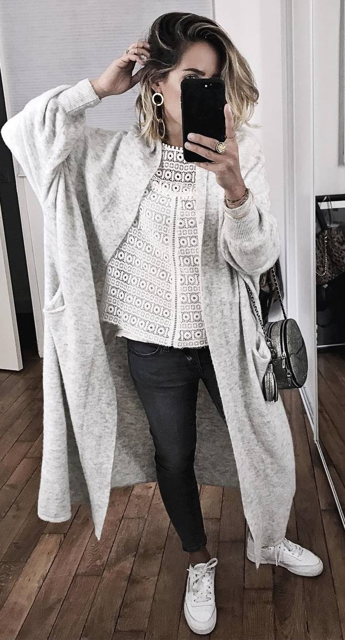 trendy winter outfit idea / lacer blouse + long cashmere cardigan + bag + skinnies + sneakers