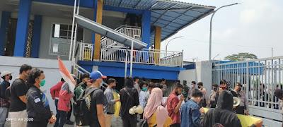 Demo Mahasiswa Tuntut Perbaikan Layanan PDAM Tirta Bhagasasi