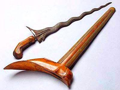 Gambar Terapang Senjata Tradisional Lampung