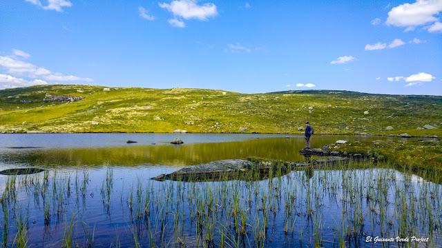 Sendero Sysenvatnet - Noruega, por El Guisante Verde Project