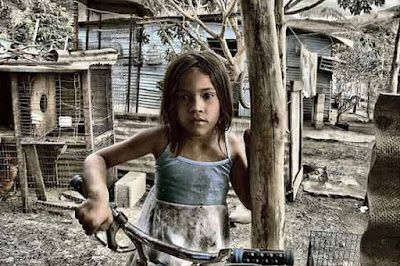 PUNTADAS CON HILO Pobreza-mundial