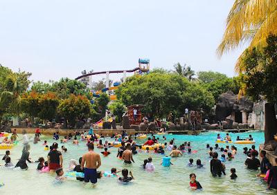 kolam ombak di Atlantis Water Adventures