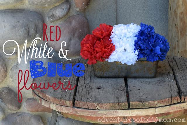 Easy red, white, and blue flowerpot using a bread tin