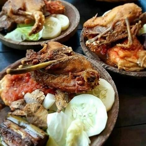 Bebek goreng Dapur Banyuwangi;5 Kuliner Bebek Goreng Enak di Kota Probolinggo;