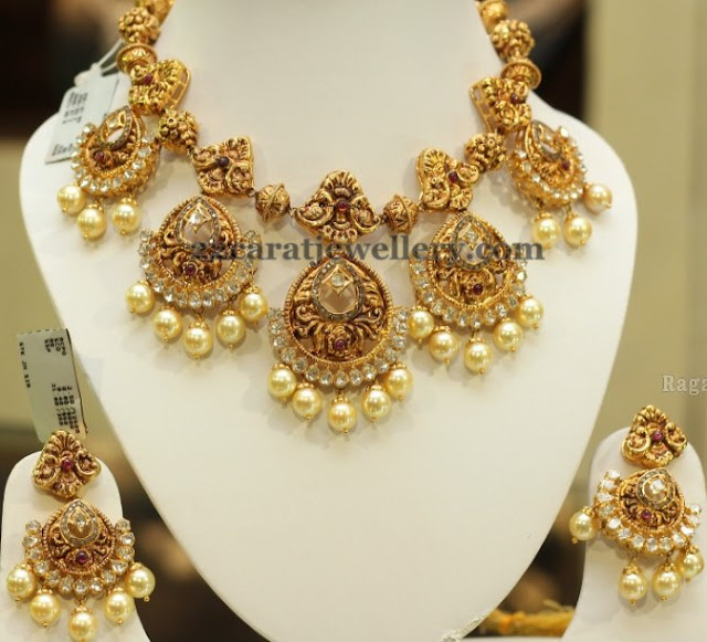 Nakshi Necklace with Chandbalis