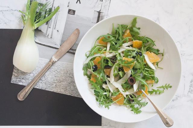 Insalata di arance, finocchi, olive e rucola