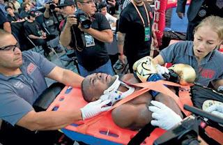 Empujón dejó al Abejón en camilla;la pelea fue nula